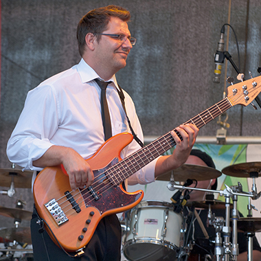 Michael Schmidt - Bassist - Live mit The Horny Blues Band